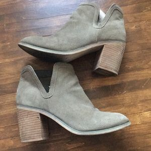 UO Ankle Bootie Side V Cut Low Chunky Stacked Heel